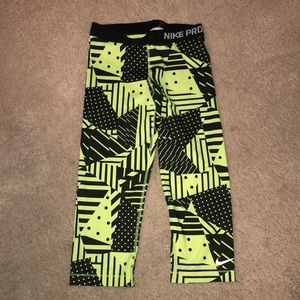 NIKE PRO NEVER WORN Cropped tights!